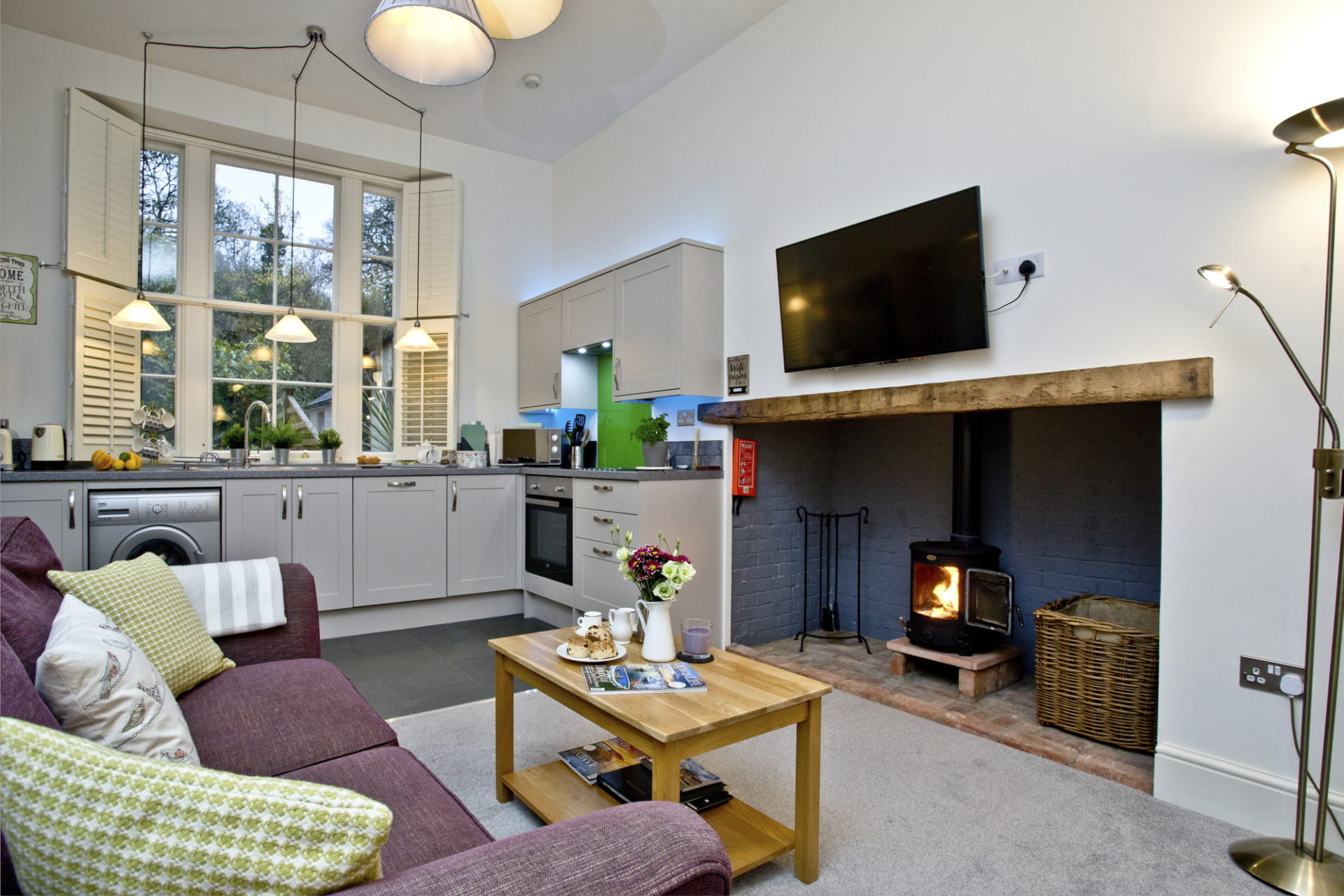Wisteria cottage- Wood burning stove